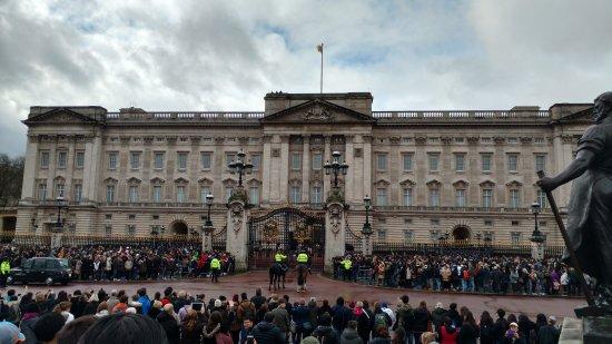 Londres en Espanol Tours: Buckingham Palace