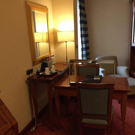 Best Western Premier Hotel Astoria Photo