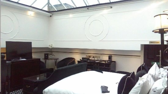 Hotel 41: IMAG2470_large.jpg