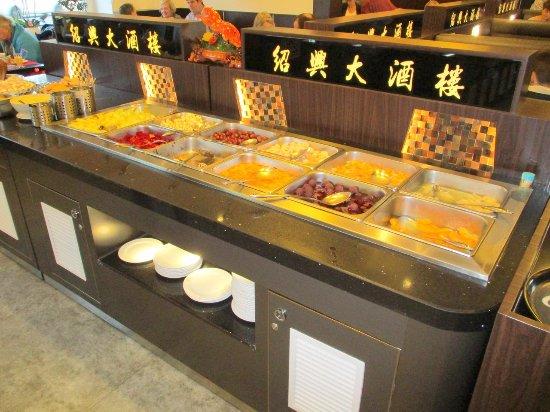 Asia Restaurant Mongolei: buffet met vruchten