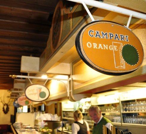 Hotel-Restaurant Bruecklwirt: Urig und gemütlich erwartet Sie unser Restaurant mit Sälen und Stüberln