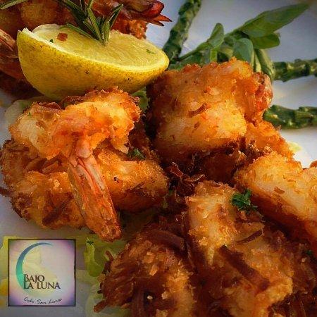 Bajo La Luna Restaurant: Coconut Shrimp
