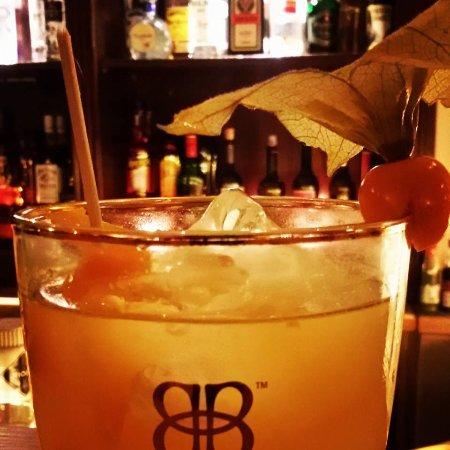 Frau Hopf im Schlosscafe: Whiskey Sour