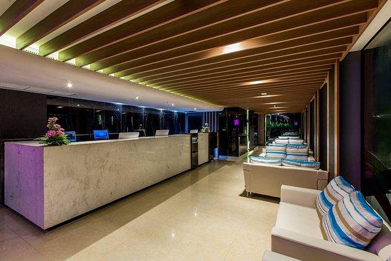 GLOW Ao Nang Krabi: Reception/Lobby