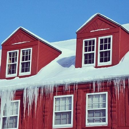 Lutsen Resort on Lake Superior: Winter at the lodge