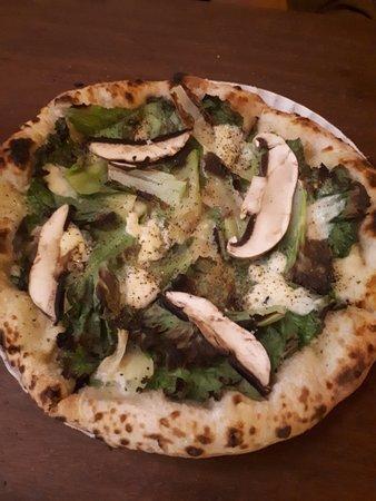 Braz Elettrica: Pizza com cogumelos