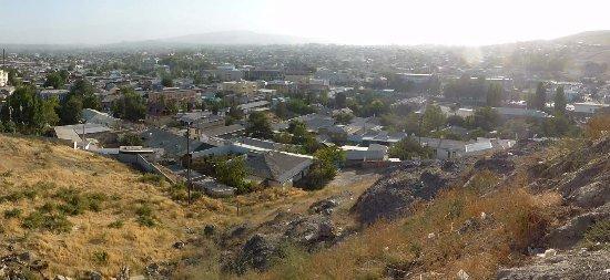 Fortress Mug Teppe: Blick über Istaravshan vom Fort-Hügel aus
