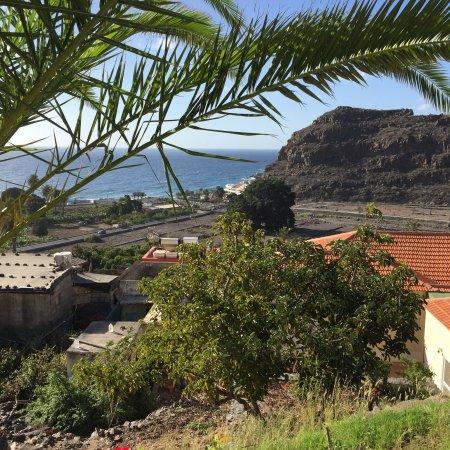 Tameday Esencia Gomera: Foto fra havnen og dele af den omkringliggende by Playa de Santiago