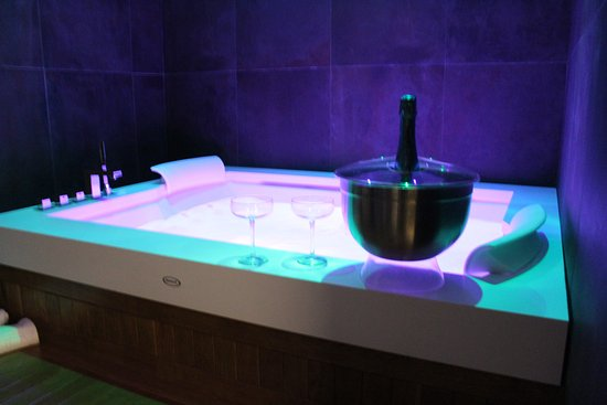 Vasca Da Bagno Hoppop : Hotel con vasca idromassaggio napoli e provincia vasca