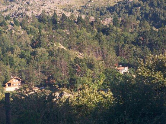 Penon del Aguila: Vista de parte del pueblo, desde una cima