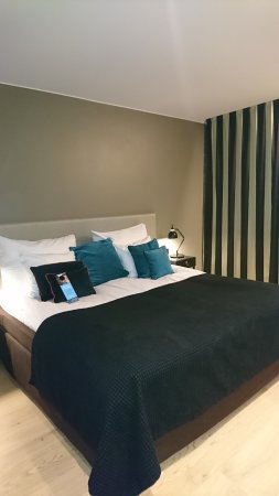 Clarion Hotel Helsinki Airport: Big Bed