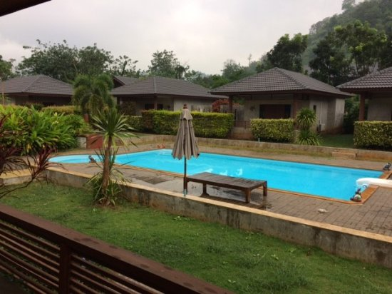 Pak Chong, Thailandia: Khao Yai Nature life resort 1 of 2 pools