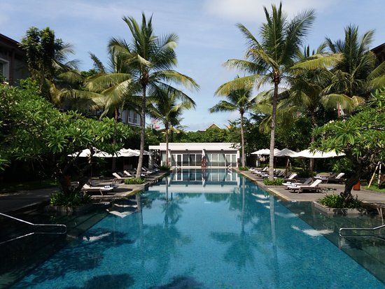 Hilton Garden Inn Bali Ngurah Rai Airport: nice pool