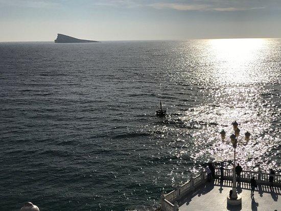 Placa del Castell: View towards Benidorm Island