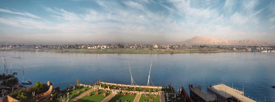 Corniche: panoramic view of the West Bank