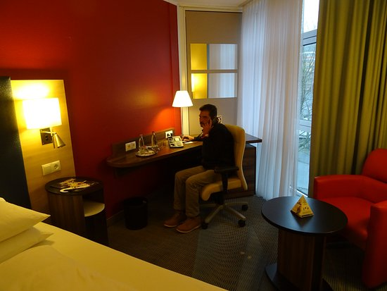 H+ Hotel Koeln Bruehl: bureau