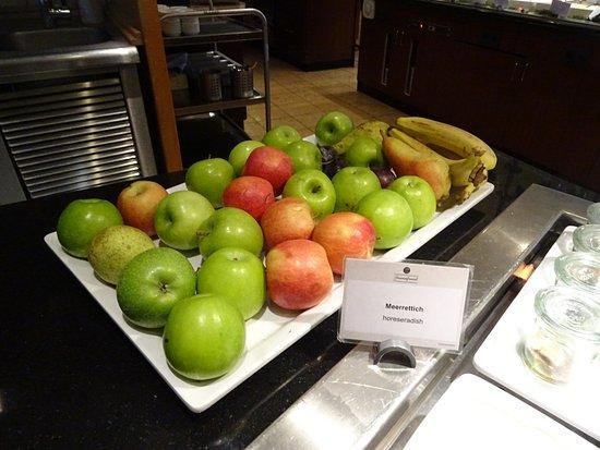 H+ Hotel Koeln Bruehl: fruits frais