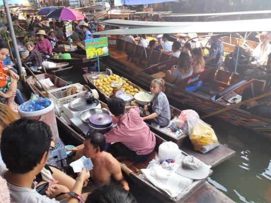 Damnoen Saduak Floating Market: Vendas