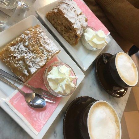 Cafe-Konditorei Aida: photo0.jpg