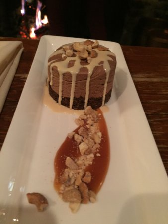 Ski Tip Lodge, Bed and Breakfast: Chocolate chevre cheescake