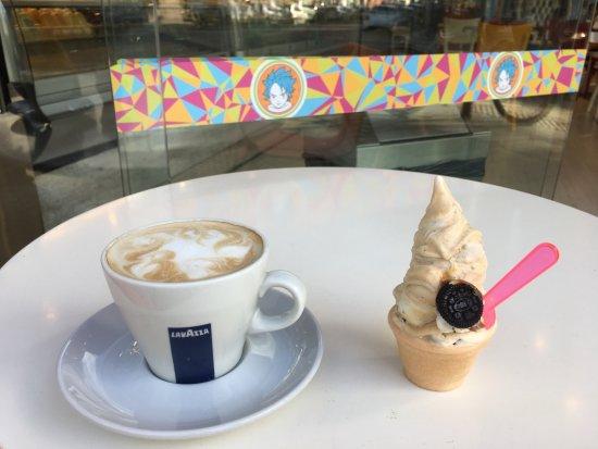 ARKYN Helados: Cafe Lavazza Italiano y Un Mini de Mr. Obama (Crema Oreo)