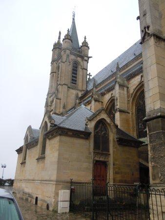 Collegiale Saint Martin: Latéral de l'église
