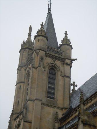 Collegiale Saint Martin: Le clocher de l'église