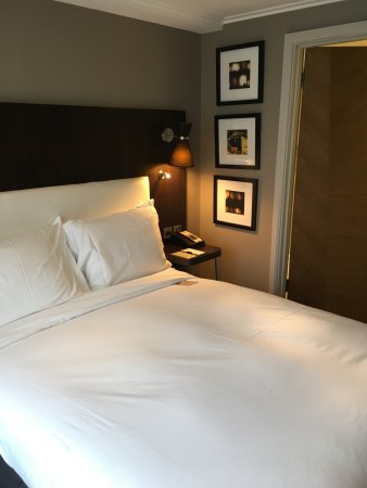 DoubleTree by Hilton - London Hyde Park: Room #1