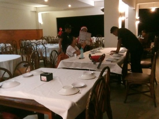 City Extra: Ruangan yang luas, lega dan meja makan yang memadai untuk banyak orang