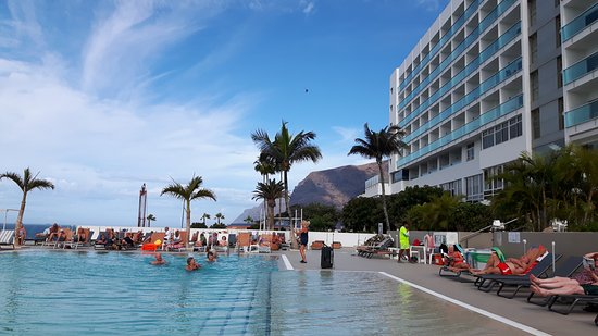 Hotel Sensimar Los Gigantes: Zwembad
