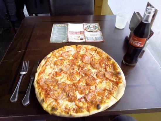 Pizzeria Da Rocco's: Die leckere italienische Pizza Diavolo