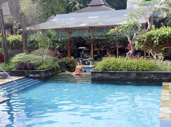 Hyatt Regency Yogyakarta: プール