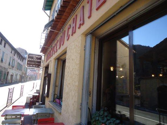 Auberge du Chateau: la façade du restaurant