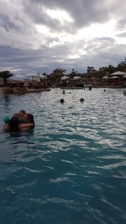 Sheraton Grand Los Cabos Hacienda del Mar: More children than adults at this resort.