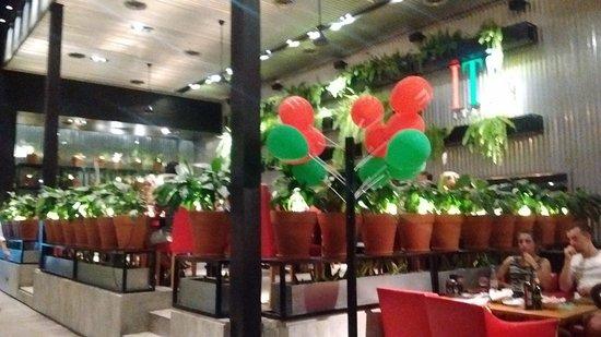 It Italian Trattoria & cafe: Salon