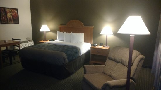 Econo Lodge Inn & Suites: My room