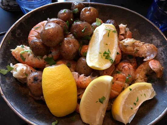 Fjorubordid : The champion dish .... 2 portions of 400 g langoustine