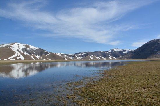 Piana di Castelluccio di Norcia: disgelo
