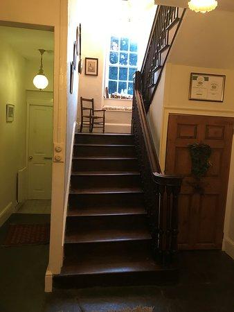 Plas Gwyn B&B & Cottage: cool old stair!
