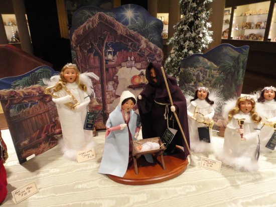 Byers' Choice Christmas Gallery: Nativity Scene made by Byers