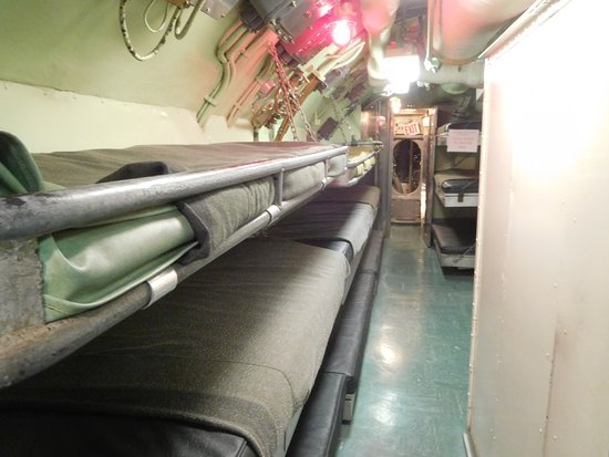USS Requin: Sleeping Quarters