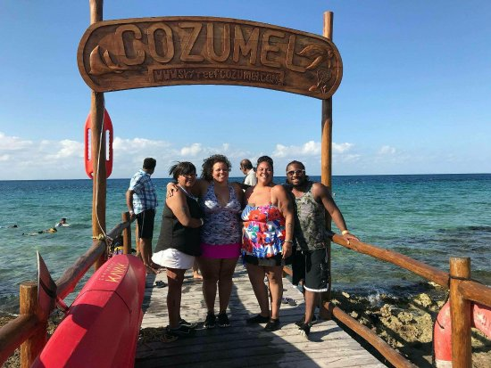 SkyReef Beach Club: Snorkeling Package with Tequila Tasting Photo