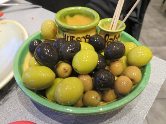 Lochleven Seafood Cafe: Side Order of Mixed Olives