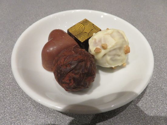 Lochleven Seafood Cafe: Homemade Oban Chocolates