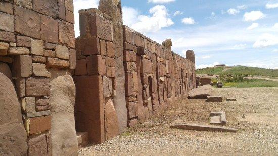 โรงแรม Tiwanaku
