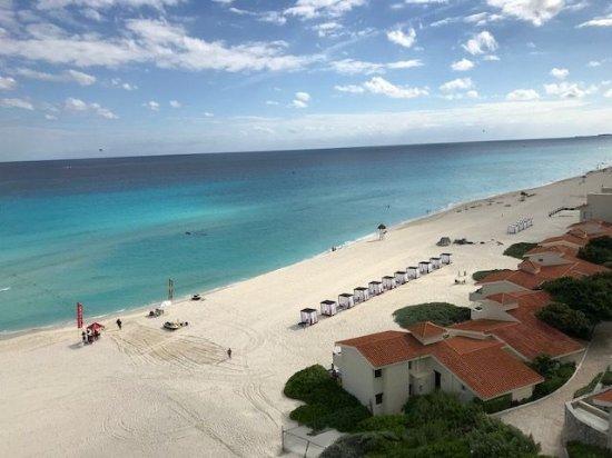 Le Blanc Spa Resort Cancun: beautiful beach