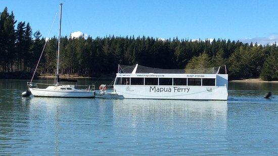 Mapua 41 South Holiday Accommodation: Mapua Ferry