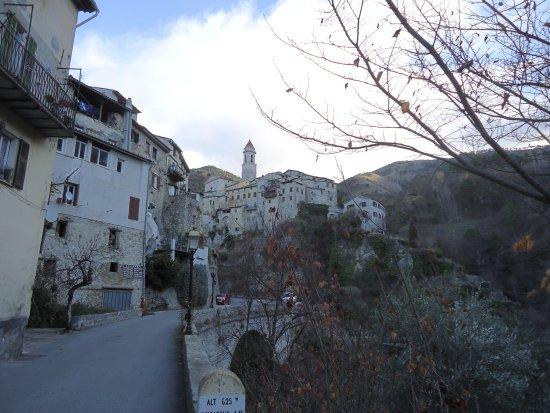 Eglise Sainte-Marguerite: la vue du village
