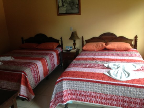 Hotel Villa De Ada: Simple but clean and comfortable