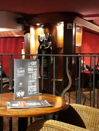 Intérieur - Picture of Garden ice Cafe, Charleville-Mezieres ...